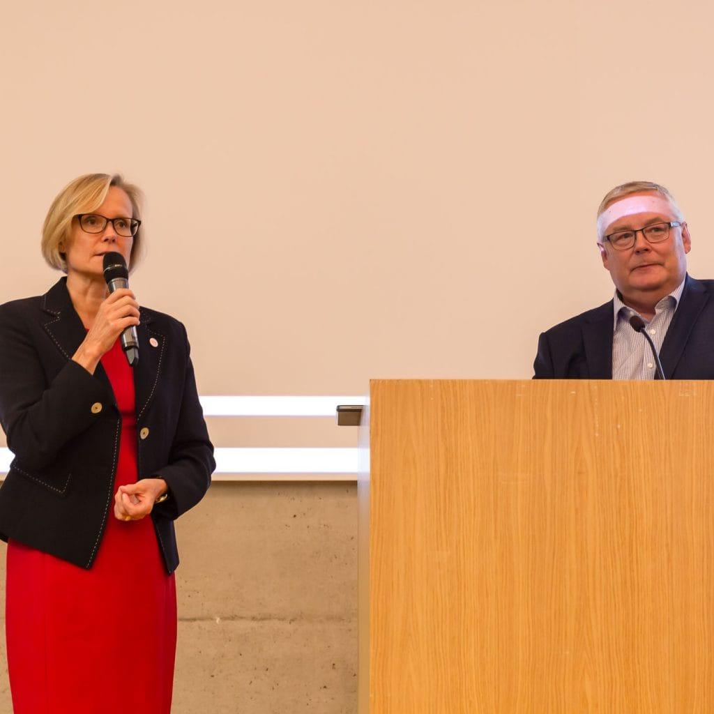 Tunnelmia Kaari-Päivästä - UNA Oy